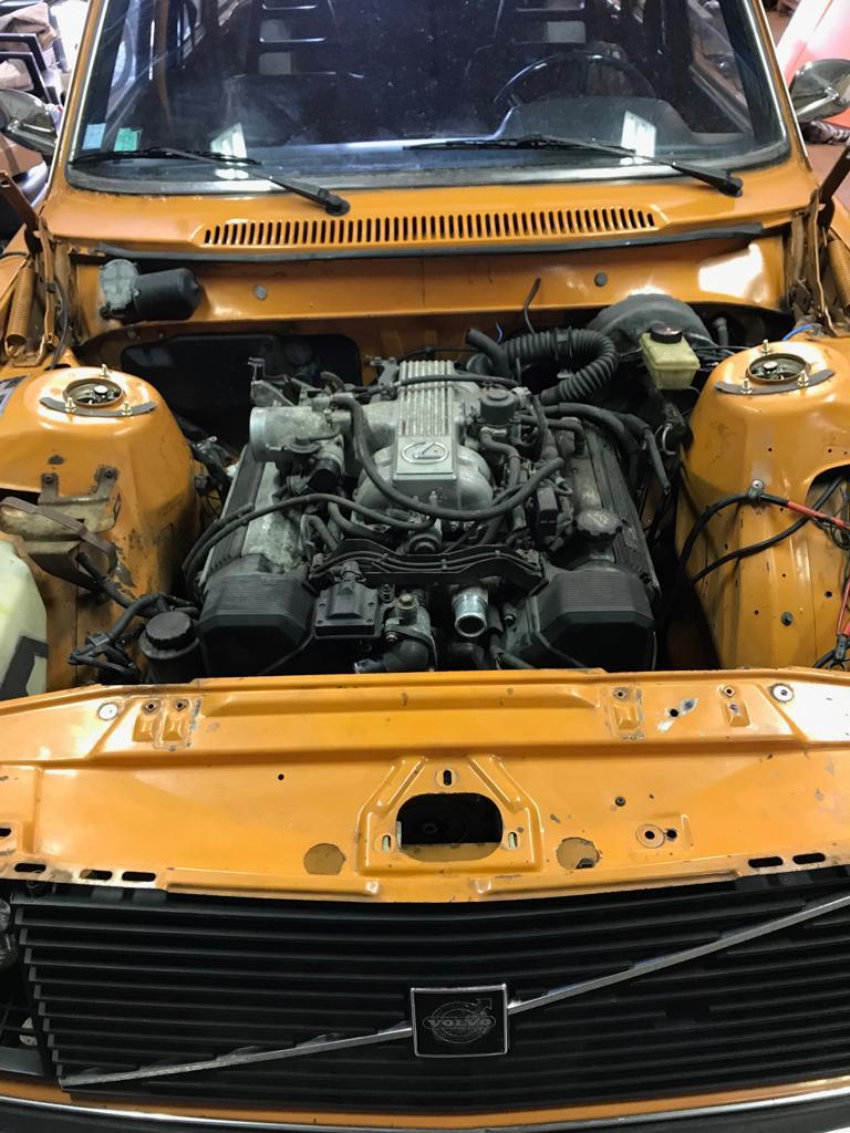 LCM Volvo 245 ' 74-1UZ 4 0 V8 engine Swap Pt  1